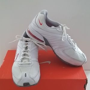 NIKE AIR MAX TORCH +6  Running Shoe. Size 9